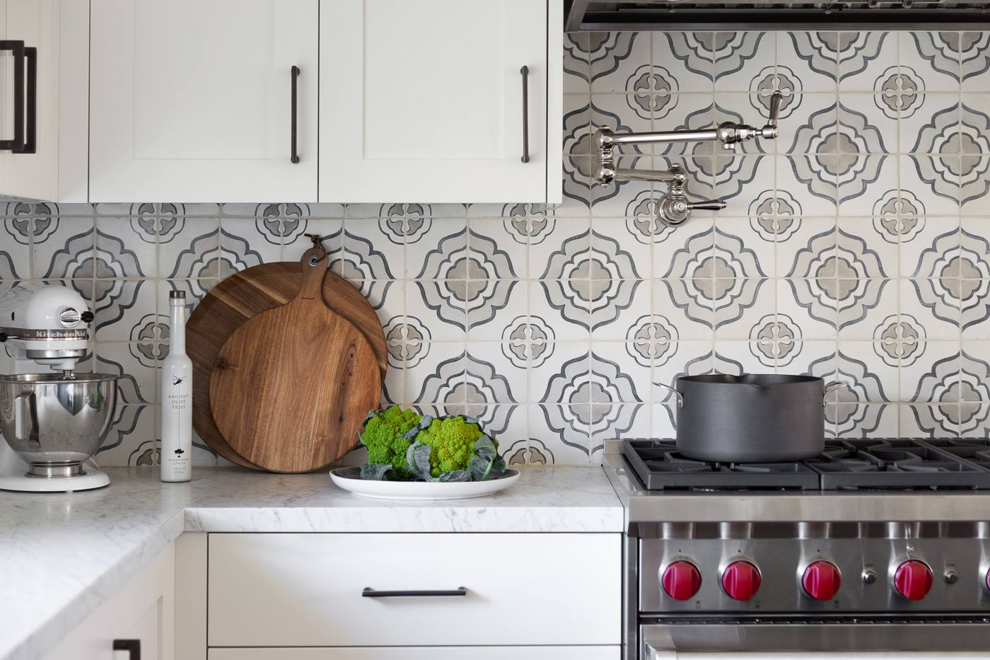 10 Backsplash Ideas to Make a Statement With Your Kitchen ...